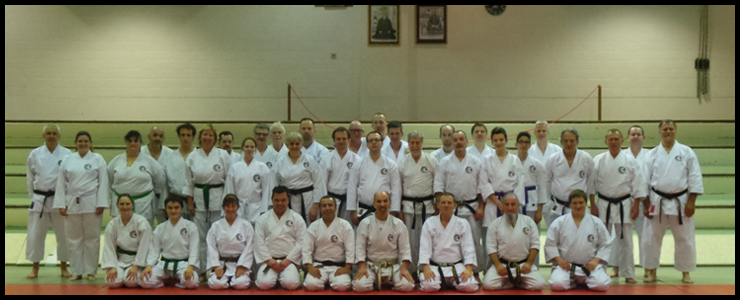 Photo souvenir du stage à Bruxelles de Tengu karatedo.